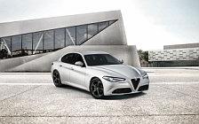 Обои автомобили Alfa Romeo Giulia Tech - 2018