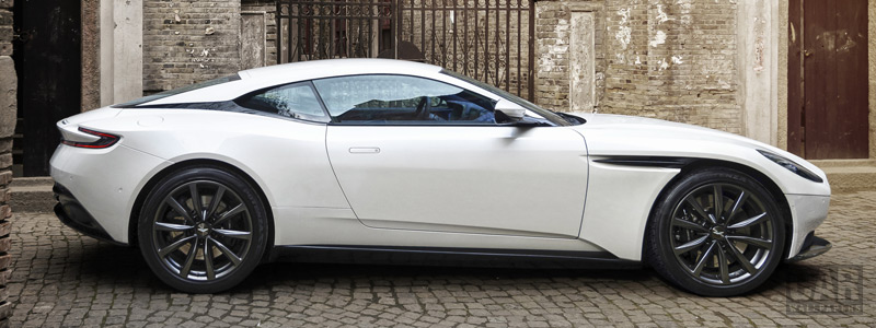 Обои автомобили Aston Martin DB11 V8 - 2017 - Car wallpapers