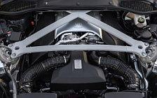Обои автомобили Aston Martin DB11 V8 - 2017