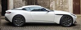 Aston Martin DB11 V8 - 2017