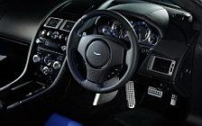 Обои автомобили Aston Martin V8 Vantage S - 2011