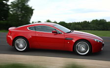 Обои автомобили Aston Martin V8 Vantage Fire Red - 2008