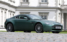 Обои автомобили Aston Martin V8 Vantage Racing Green - 2008