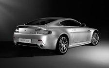 Обои автомобили Aston Martin V8 Vantage - 2010