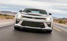 Обои автомобили Chevrolet Camaro SS 1LE - 2016