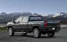 Обои автомобили Chevrolet Silverado 2500 HD High Country Crew Cab - 2019