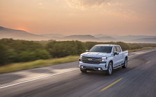 Обои автомобили Chevrolet Silverado High Country Crew Cab - 2018