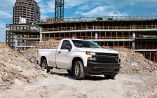 Обои автомобили Chevrolet Silverado Work Truck Regular Cab - 2018