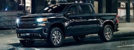 Chevrolet Silverado Custom Crew Cab - 2018