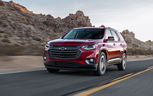 Обои автомобили Chevrolet Traverse RS - 2018