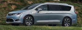 Chrysler Pacifica Hybrid - 2016