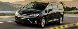 Chrysler Pacifica Touring-L Plus - 2016