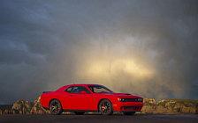 Обои автомобили Dodge Challenger SRT Hellcat - 2017