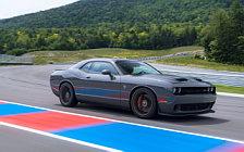 Обои автомобили Dodge Challenger SRT Hellcat - 2018