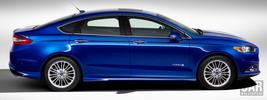 Ford Fusion Hybrid - 2013