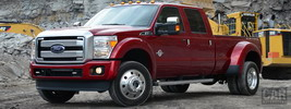 Ford F-450 Super Duty Platinum Crew Cab - 2015