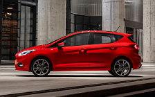 Обои автомобили Ford Fiesta ST-Line 5door - 2017
