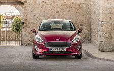 Обои автомобили Ford Fiesta Titanium 5door - 2017
