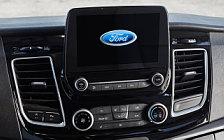 Обои автомобили Ford Tourneo Custom - 2017
